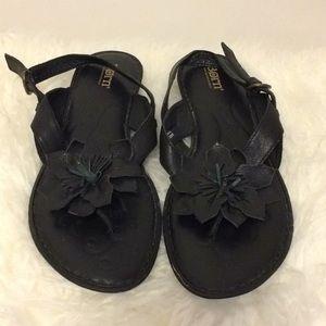 Born Black Leather Flower Sandals Sz 9